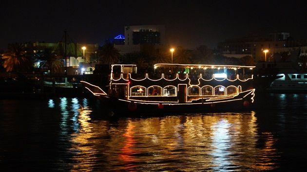 Исмаил Шангареев - водное путешествие по ночному Дубаю на традиционном кораблике Доу