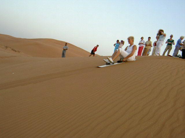 Исмаил Шангареев - катание на скейте по пескам